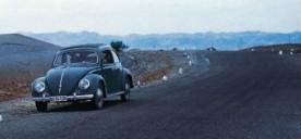 VW Käfer auf der Landstrasse